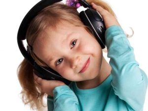 Girl-headphone